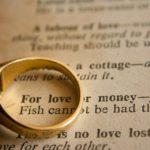 Czy miłość zależy od pieniędzy i urody?